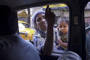 800px-India_-_Kolkata_street_beggar_-_3246